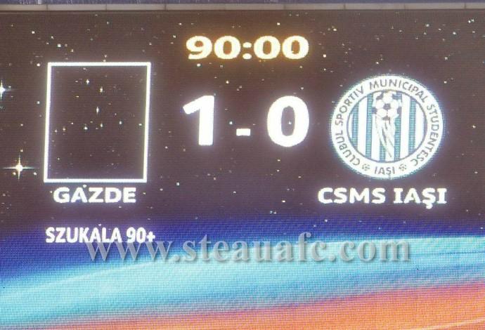 Placar anuncia vitória do... Steaua Bucareste (Foto: Reprodução / Facebook)