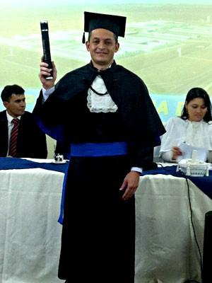 O detento Glaucimar Ferreira dos Santos, que se formou em Administração de Empresas (Foto: Isabella Formiga/G1)
