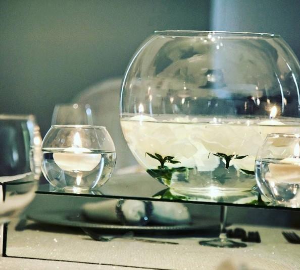 Descontextualize: coloque velas em refratários com água (Foto: @daborganizasyon)