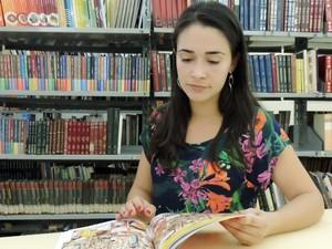 Jovem Talita ressalta que trabalho não é como pensam (Foto: Caio Gomes Silveira/ G1)