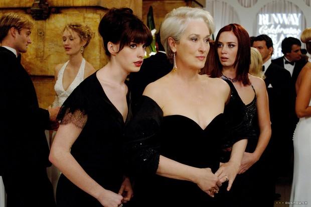 Anne Hathaway, Meryl Streep e Emily Blunt no filme O Diabo Veste Prada (Foto: Reprodução)