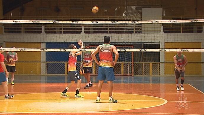 Seleção Acreana de Vôlei Adulto que vai disputar a Copa Amazônia Sustentável de Vôlei (Foto: Reprodução/Rede Amazônica Acre)