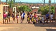 Sem transporte escolar, alunos têm dificuldades para ir à escola