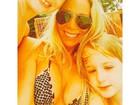 Dani Winits leva filhos para visitar o ex Amaury Nunes nos EUA