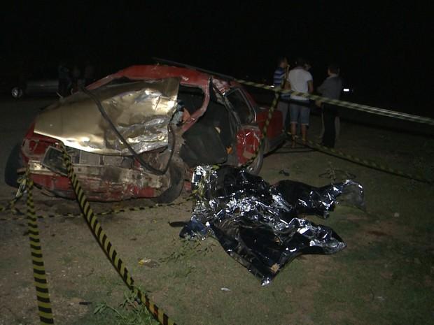 Polícia suspeito que acidente foi provocado durante ultrapassagem (Foto: Reprodução/TV Paraíba)