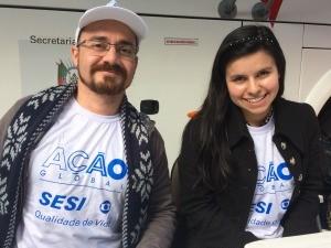 Daniel e Bruna participaram do Ação Global, em Cachoeirinha (Foto: Lisiane Lisboa / RBS TV)