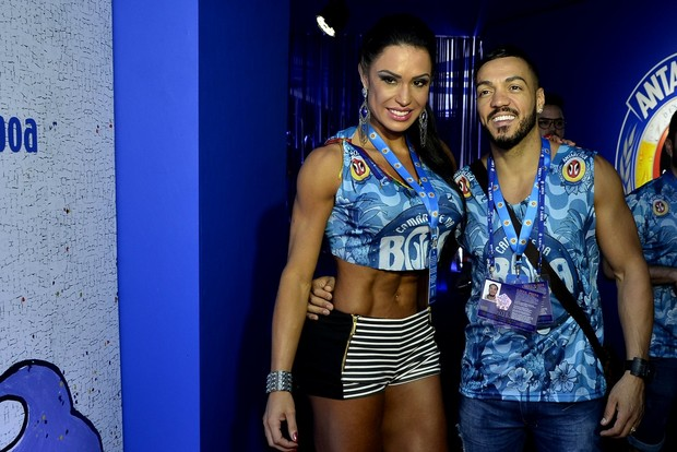 Gracyanne Barbosa e Belo (Foto: Roberto Teixeira/ EGO)