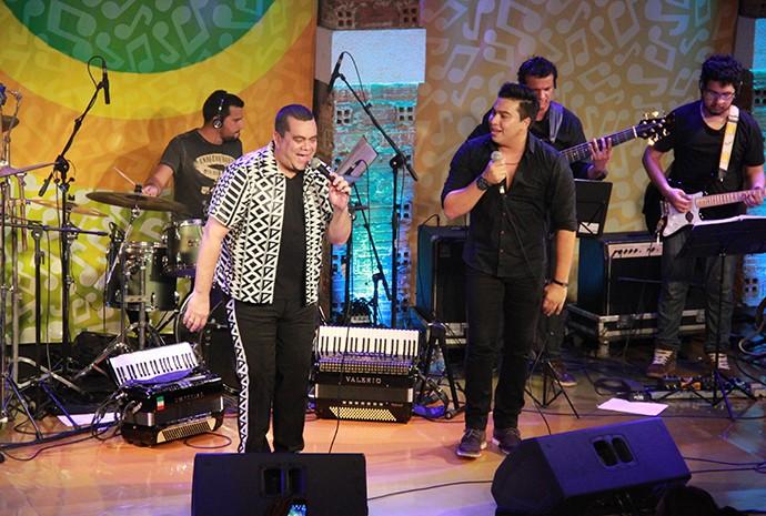 Arlindo Júnior e Márcio Cigano cantam boi e sertanejo (Foto: Katiúscia Monteiro/ Rede Amazônica)