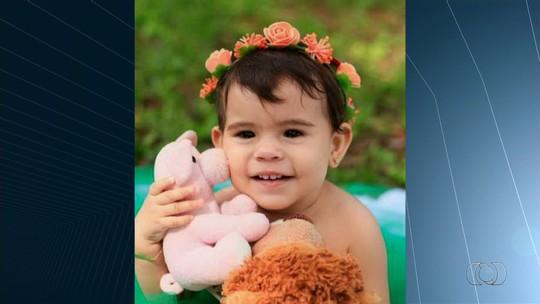 Bebê morre após se afogar na piscina da casa da avó, em Goiânia