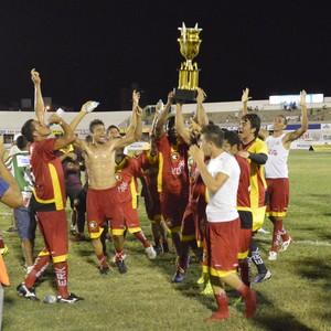 Goleiro defende três pênaltis e Globo FC vence Baraúnas na final da Copa FNF (Marcelo Montenegro/Futebol Potiguar)