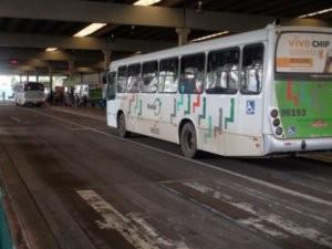 Motoristas de ônibus decidiram voltar ao trabalho na manhã desta quarta-feira (Foto: Edijan Del Santo)
