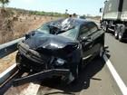 Casal morre após moto em que estavam ser arremessada de ponte