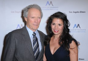 Clint Eastwood e a mulher,  Dina (Foto: Agência/ Getty Images)