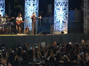 O Padre Fábio de Melo foi a principal atração desta segunda-feira (Foto: Taiguara Rangel/G1)