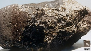 Meteorito que veio de Marte, achado na Antártida, tinha vida primitiva. (Foto: BBC)