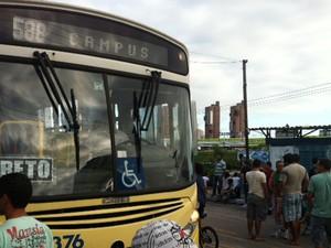 #RevoltadoBusão realiza protesto em Natal (Foto: Igor Jácome/G1)