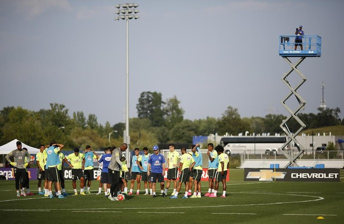 Seleção brasileira treino New Jersey (Foto: Leo Correa/Mowa Press)