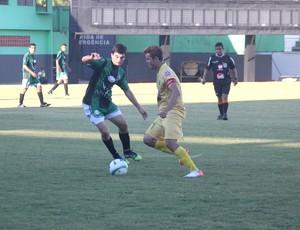 Andirá e Náuas se enfrentam no estádio Florestão (Foto: João Paulo Maia)