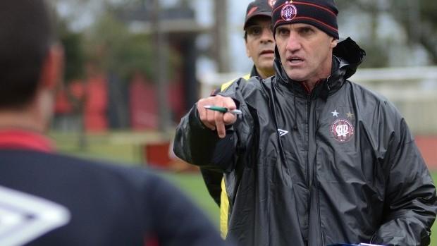 Vagner Mancini técnico atlético-pr (Foto: Gustavo Oliveira/Site oficial do Atlético-PR)