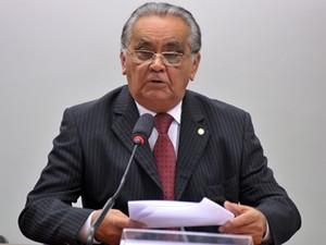 O deputado Asdrubal Bentes (PMDB-PA), em comissão da Câmara (Foto: Zeca Ribeiro/Ag.Câmara)