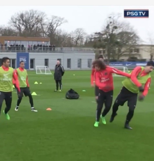 David Luiz em disputa com Ibra