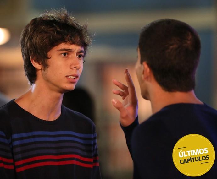 Até João vai tentar abrir o olho de Duca (Foto: Isabella Pinheiro/Gshow)
