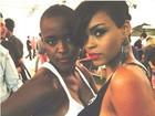 Ex-BBB Angélica posa com sósia de Rihanna: 'Amei te conhecer, linda'