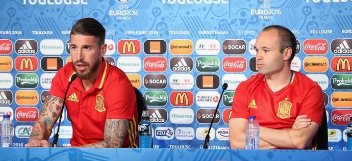 Sergio Ramos e Iniesta (Foto: Getty Images)