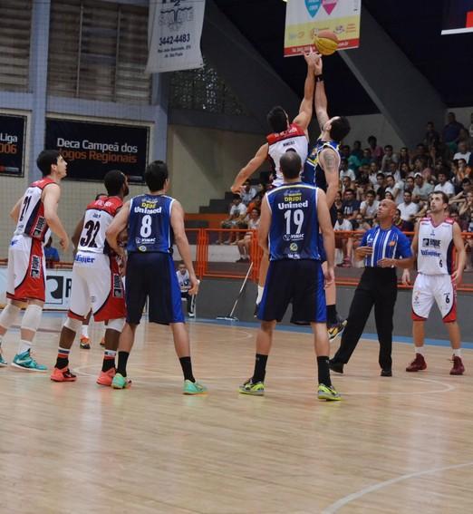 pés no chão (Divulgação/São José Desportivo)