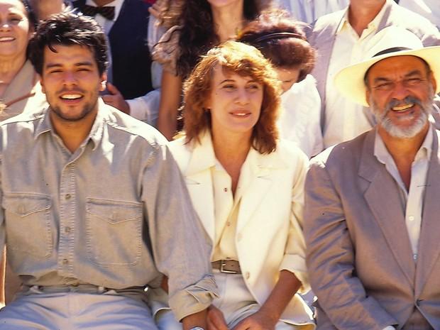 """Leonardo Pontes (Maurício Mattar), Pilar (Renata Sorrah) e Murilo Pontes (Lima Duarte) em """"Pedra Sobre Pedra"""" (Foto: CEDOC/TV Globo)"""