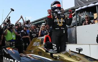 Hinchcliffe surpreende e larga na pole na edição 100 da Indy 500 Milhas