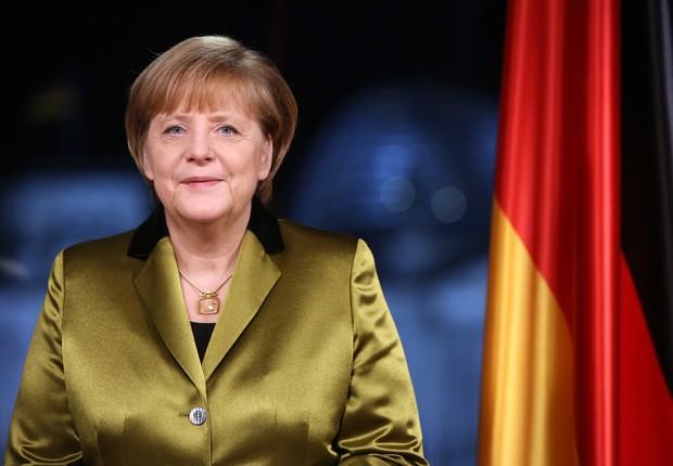 A chanceler alemã Angela Merkel se prepara para pronunciamento pela TV antes do Ano Novo, em 30 de dezembro de 2013 (Foto: Adam Berry/Getty Images)