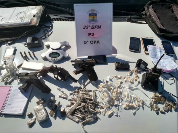Material apreendido durante operação no bairro do Frade (Foto: Divulgação/Polícia Militar)