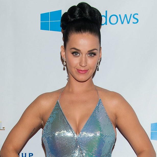 Pode acreditar: Katy Perry desenvolveu seios desse tamanho naturalmente. (Foto: Getty Images)