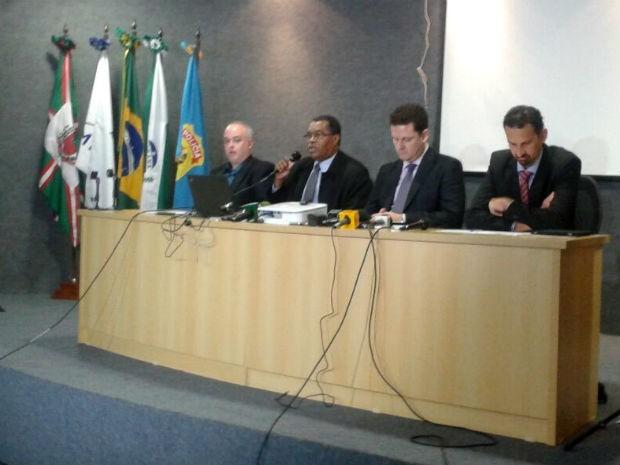 Coletiva de imprensa na sede da Polícia Federal explica a sétima fase da Operação Lava Jato (Foto: Adriana Justi/G1)