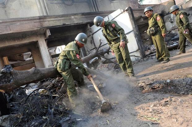 Mais de 30 mortos morreram no conflito entre budistas e muçulmanos (Foto: Soe Than Win/AFP)