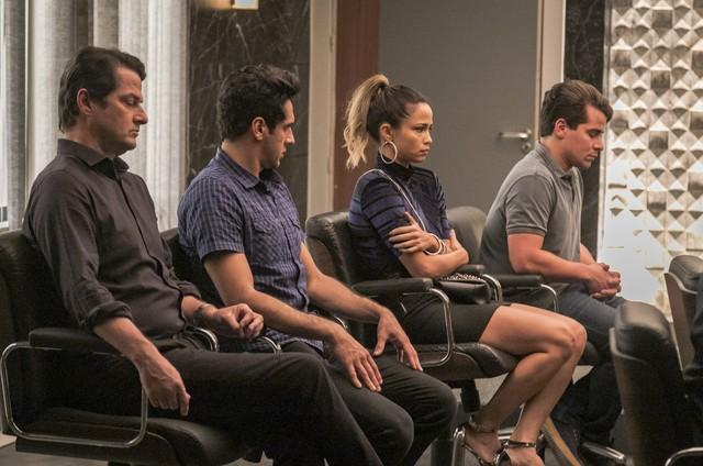Cena do último capítulo de 'Pega pega' (Foto: Paulo Belote/TV Globo)
