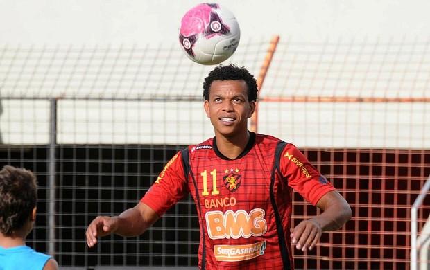 Edcarlos, zagueiro do Sport (Foto: Aldo Carneiro)
