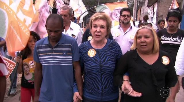 Marta Suplicy faz campanha na Zona Norte