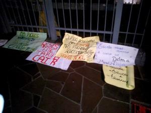 Manifestantes pedem redução da tarifa em Passo Fundo, RS (Foto: Pamilli Braga/ RBS TV)