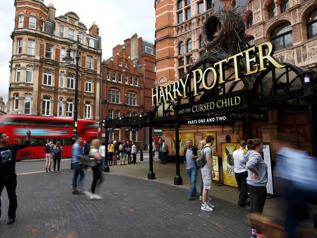 Palace Theatre vai receber estreia da peça Harry Potter and the cursed child (Harry Potter e a criança amaldiçoada) em Londres neste sábado (30)  (Foto: Reuters/Peter Nicholls)