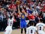 Com 34 pontos de Curry, Warriors batem Portland e abrem 3 a 0 na série