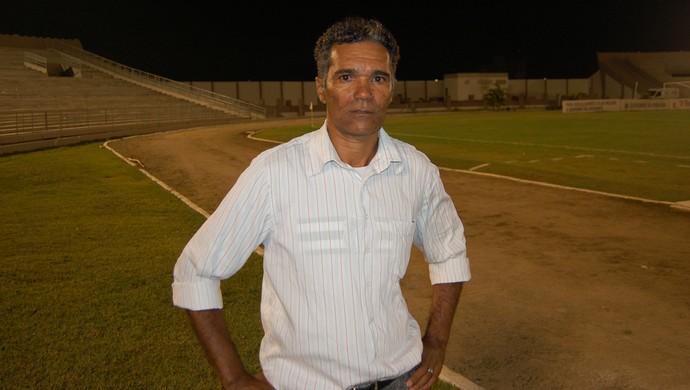 Betão, treinador da Picuiense (Foto: Silas Batista / GloboEsporte.com)