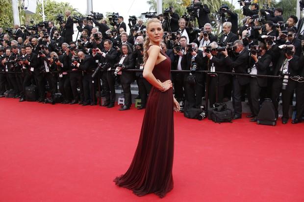 Blake Lively na abertura do Festival de Cannes 2014 (Foto: AFP)