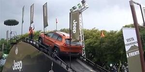 VÍDEO: público do salão pode fazer testes que simulam off-road (Reprodução/G1)