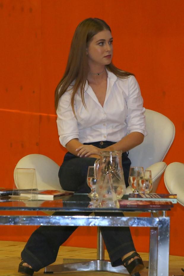 Marina Ruy Barbosa na Bienal do Livro (Foto: AG News)