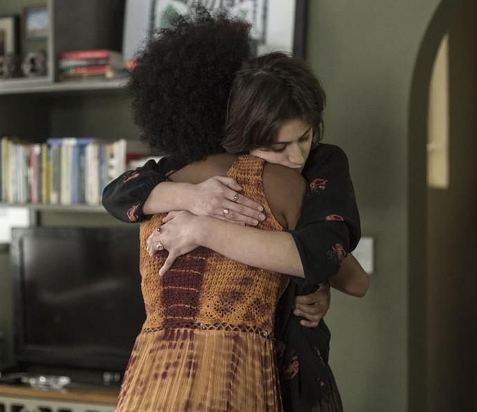 Rose e Débora têm relação próxima e verdadeira na TV (Foto: Ellen Soares/Gshow)