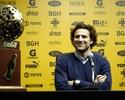 Após título, Forlán anuncia saída do Peñarol, mas nega aposentadoria