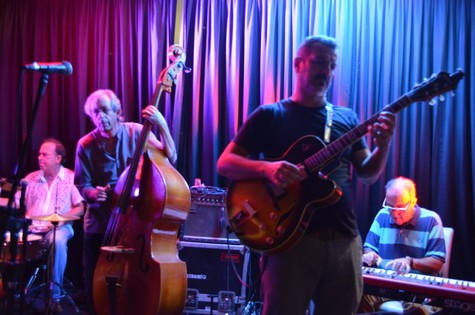 Reinaldo Figueiredo e sua banda, a Companhia Estadual de Jazz (Foto: Mariana Mendonça)