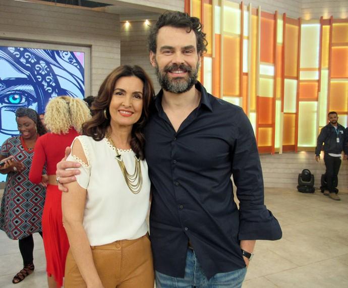 O ator Carmo Dalla Vecchia com a Fátima  (Foto: Juliana Hippert/Gshow)